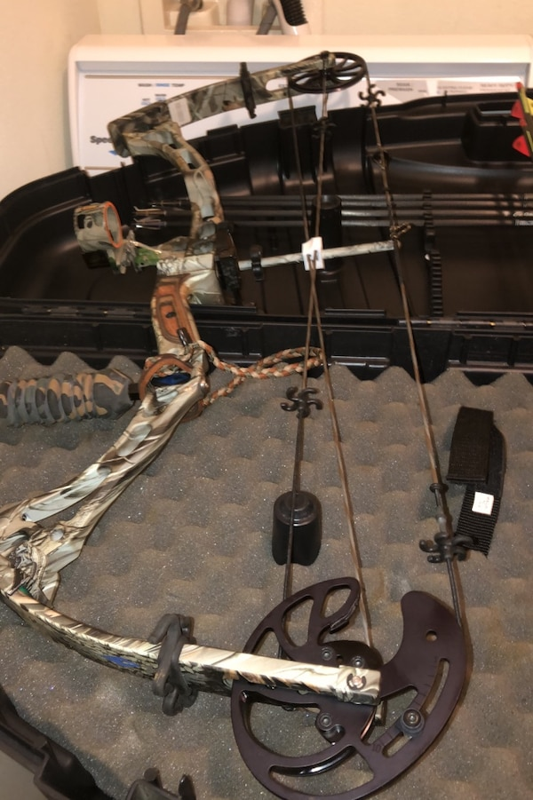 Used Diamond Compound Bow By Bowtech For Sale In Oldsmar