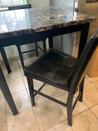 Eat-In Kitchen Dining Table & chairs