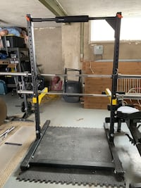 Squat rack delivery available  Toronto, M1M 1J1