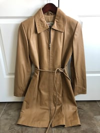 Camel real leather jacket size XS bought in Turkey. Lovely zipper accents on pockets and back slit. Cute belt. Wore twice. Just have too many jackets. Downsizing  Cambridge, N1T 0B3