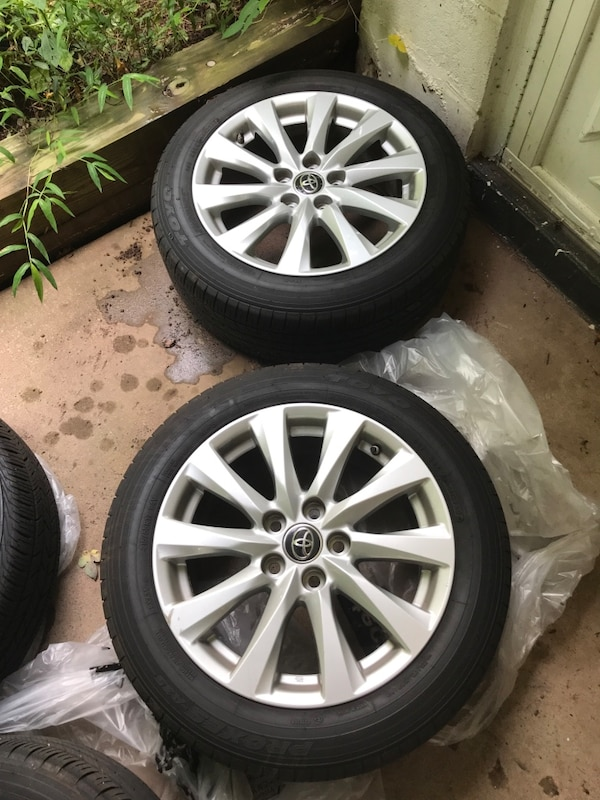 Tires and Wheels - 2018 Toyota 4a41ff1d-6bf2-43c6-b2fc-780a7747c2c4