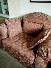 brown and red floral fabric loveseat Odenton, 21113