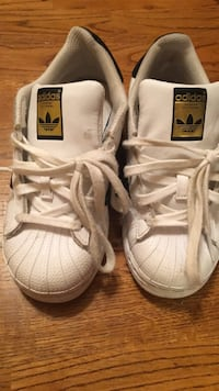 pair of white-and-brown Adidas sneakers Hanover, 21076