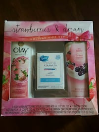 Olay  Strawberries and dream gift set