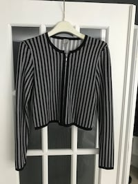 Tristan-Cardigan with zipper, size small. Like new . Paid 129$ Montréal, H1J