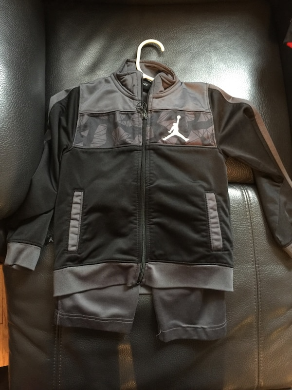 e4265a71a2ad Brukt Selling all my son 3T -4T jordan clothing in great condition ...