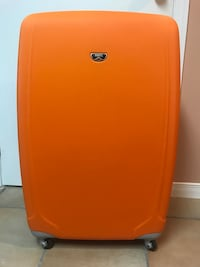 XL Hard Shell Roots Luggage