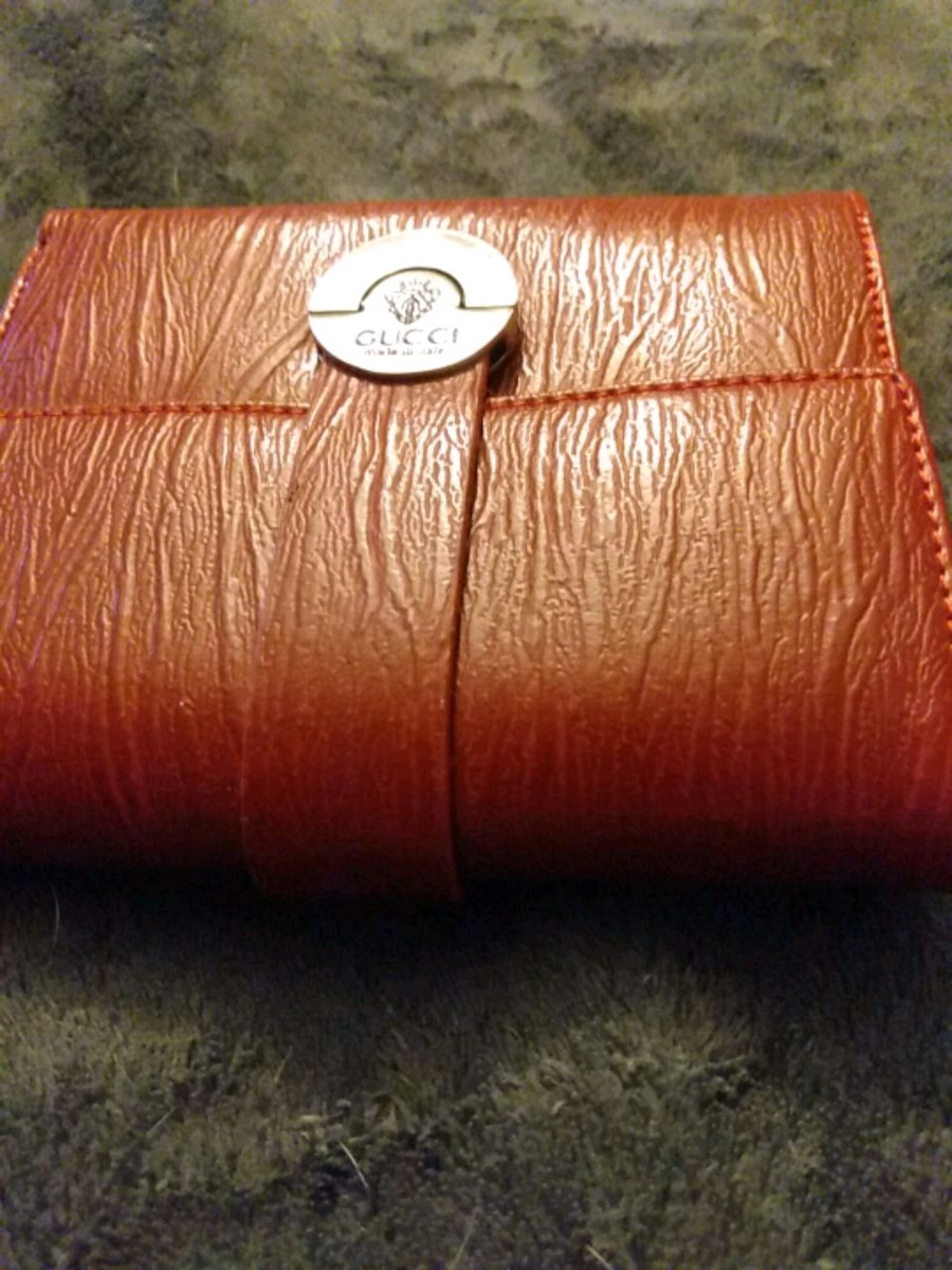 Photo Gucci wallet red