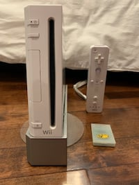 Wii game console with controller and memory card