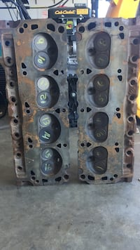 Small block Ford heads for a 302. Redone but never used. Shenandoah Junction, 25442