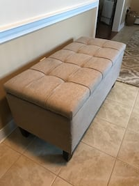 Storage Ottoman with cushioned top Meriden, 06450