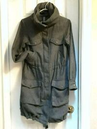 Zipper and snap front excellent condition  Brampton, L6S 3Y9