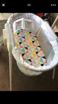 Fisher Price Stow N'Go Bassinet  Perris