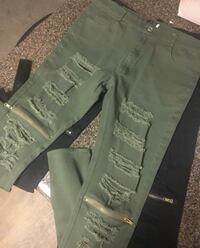 Ripped zipper denim pants Toronto, M4K 2X5