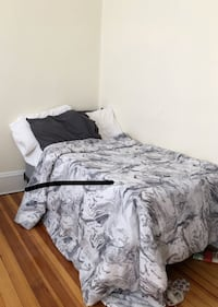 Single bed with price only for today Brookline, 02446