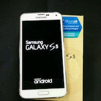 Samsung Galaxy s5 - factory unlocked with box and  Alexandria, 22302