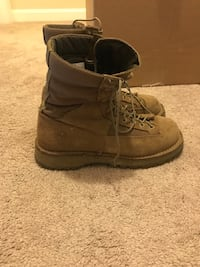 DANNER temperate boots - worn maybe 10 times total Stafford, 22556