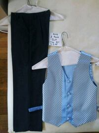 Boys 2 piece suit 5T $5 Redford Charter Township, 48239
