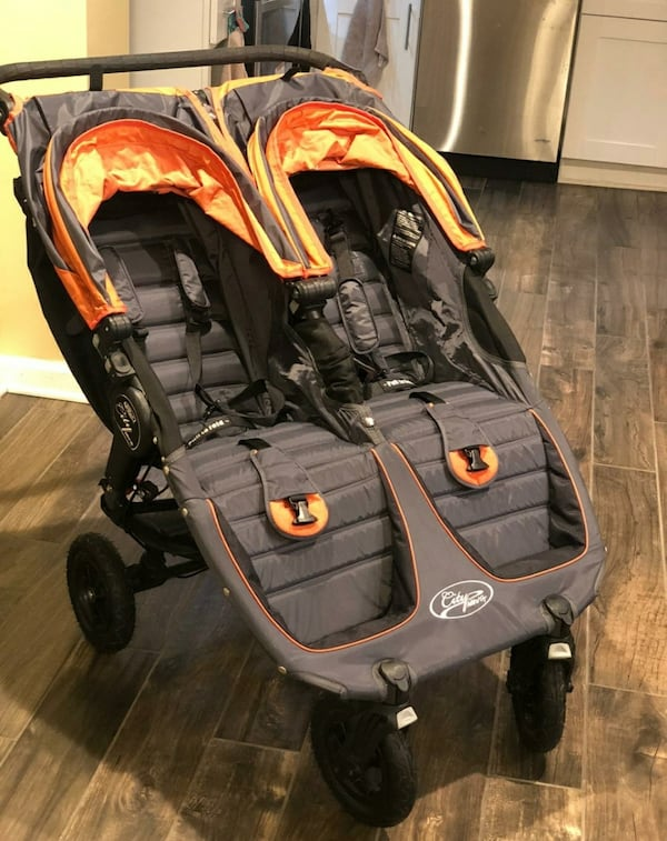 Double stroller in excellent condition (City Mini GT) 3