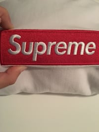 Supreme box logo red on white hoodie 100% authentic more pics upon request Vancouver, V6J 2S1