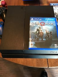 Sony PS4 console with controller and game case Cleveland, 44113