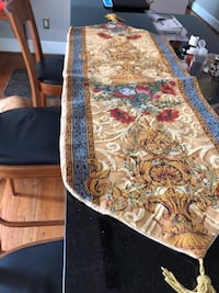 Patterned French Table Runner Alexandria