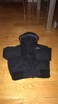 Toddler winter coat size 3T Mississauga, L5B 4P8