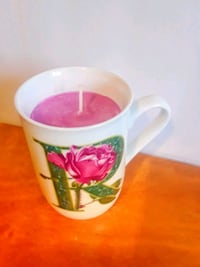 Handpoured Soy candle Sugar Plum Letter R Brampton