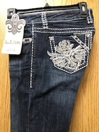 New L.A.Idol Jean pants size 9. This is a great deal.  Anchorage, 99507
