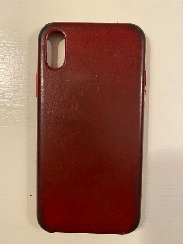 Genuine Apple Red Leather Case for iPhone X or XS 15c5868f-ab71-4e19-974c-f4520784bcee