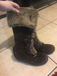 Wedge Boots Size 8 1/2 Used Merced, 95348