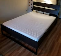 Queen size bed frame w/mattress Arlington, 22209