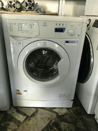 bianco Indesit lavatrice a carica frontale
