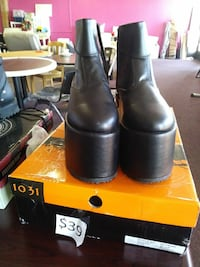 pair of black leather boots North Las Vegas, 89031