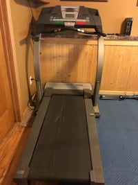 ProForm XP 590 Treadmill / great condition/ pulse, heart rate, fan, headphone jack