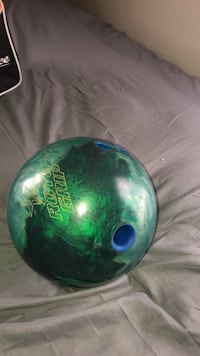 Toto grip bowling ball and bowling bag