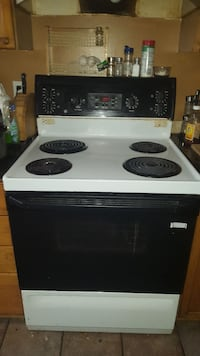 GE electric stove.  Fully functional.   Ottawa, K4A 3X7