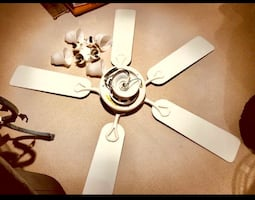 Ceiling fan with 4 lights