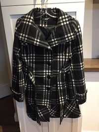 Woman's coat size L London, N6M 0E5