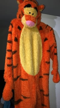 Disney Store Tigger Halloween Costume.  Kids Size Medium.  Worn Once. Stoney Creek, L8G 1C3