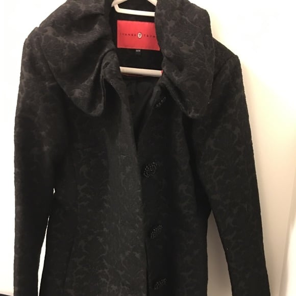 Ivanka Trump black coat size M