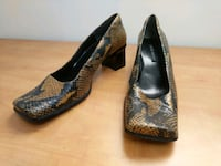 pair of brown leather pointed-toe heeled shoes Burnaby, V3N 3E4