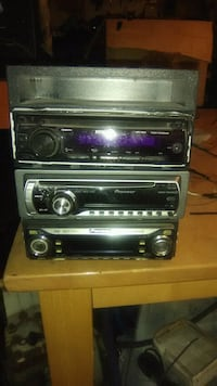 Single din radios.20 for all 3.one has a aux cord  Joliet, 60431