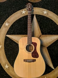 Guild D150 natural acoustic guitar
