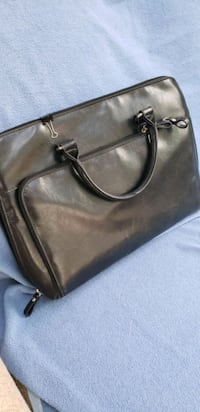 Black leather briefcase Worthington brand Burlington, L7L 6H8