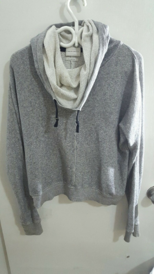 Community Pullover fits small