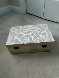 white and brown wooden box Ashburn, 20147
