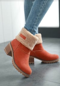 unpaired brown suede chunky heel boot Los Angeles County, 91342