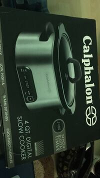 4 qt. Calphalon digital slow cooker box Oakland, 94607