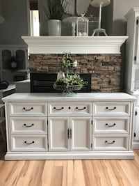 Solid Wood Dresser Excellent Condition